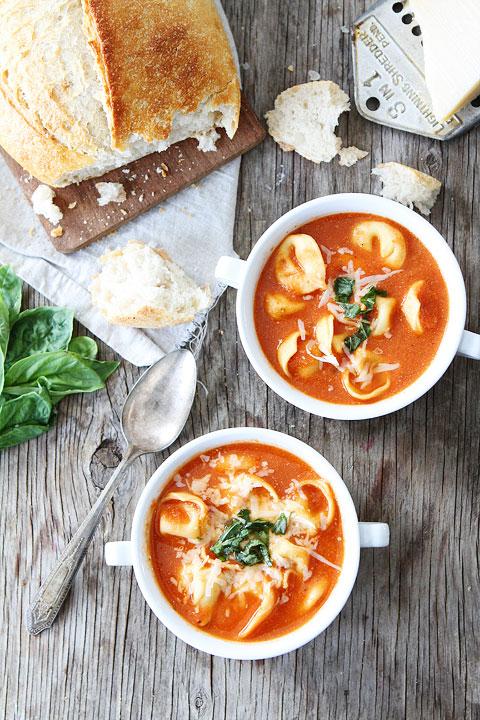 Creamy-Tomato-Tortellni-Soup-10