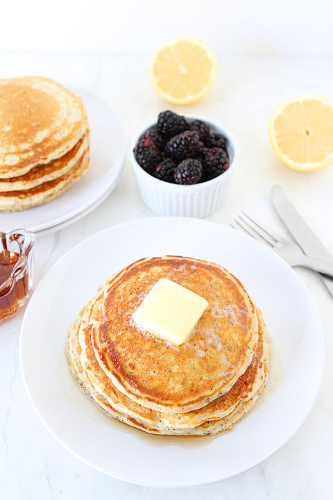 Lemon-Poppyseed-Yogurt-Pancakes-2